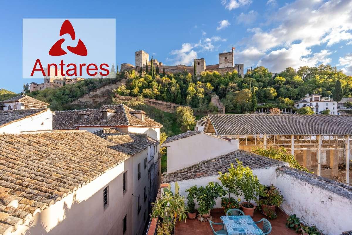 Fantástica casa con gran terraza con maravillosas vistas a la Alhambra