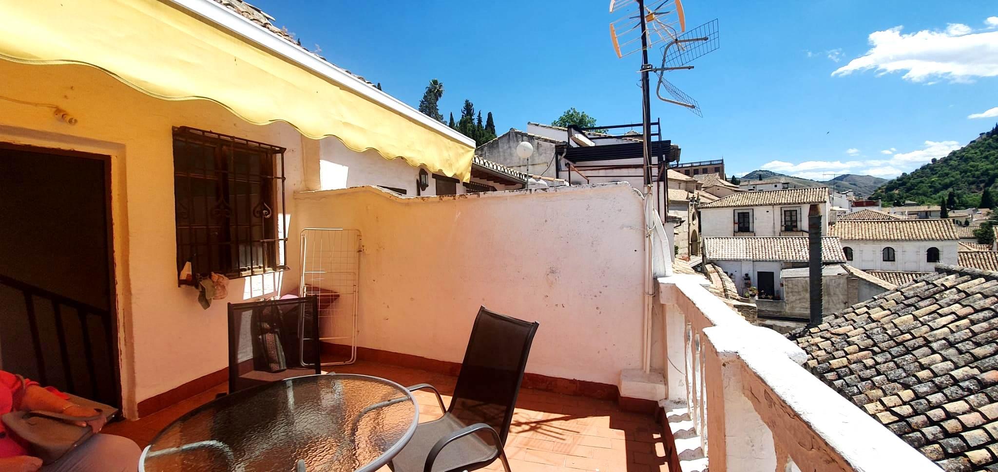 Bonito loft en casa típica albaicinera con amplia terraza con vistas Alhambra